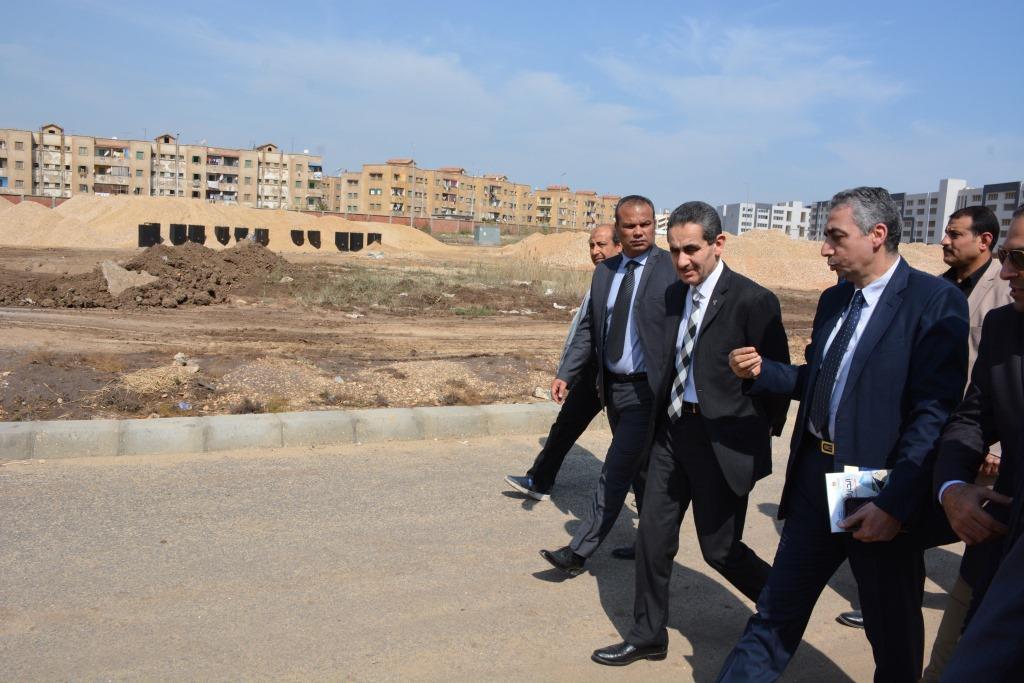 جولة محافظ الغربية ورئيس هيئة التنمية الصناعية على المشروعات (1)