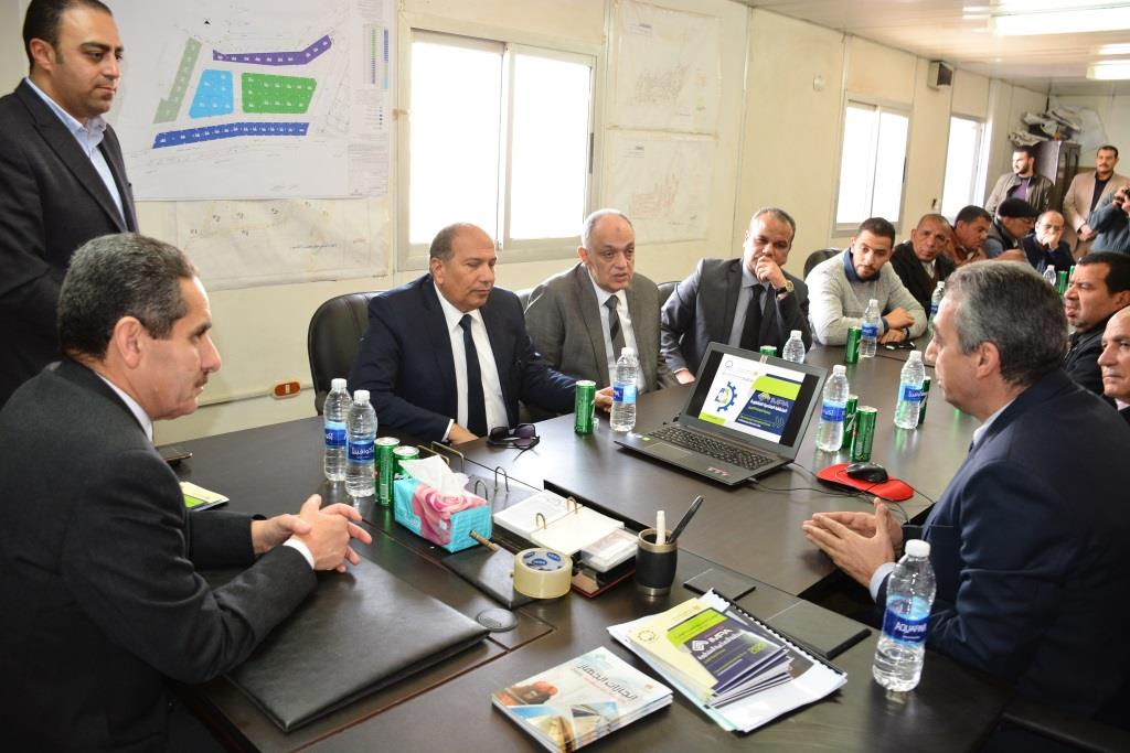 جولة محافظ الغربية ورئيس هيئة التنمية الصناعية على المشروعات (5)