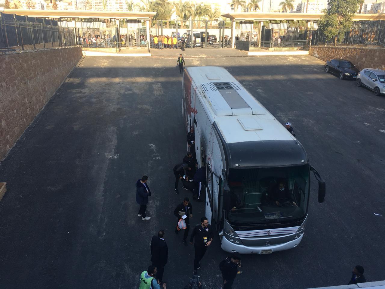حافلة الزمالك تصل استاد القاهرة