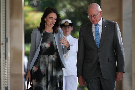 حوار-بين-رئيسة-الوزراء-الأسترالية-والحاكم-العام