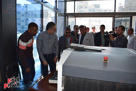 وزير السياحة والآثار يفتتح بوابات معبد الأقصر الجديدة (5)