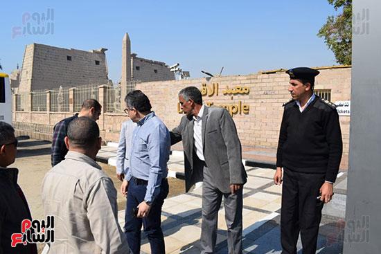 وزير السياحة والآثار يفتتح بوابات معبد الأقصر الجديدة (9)
