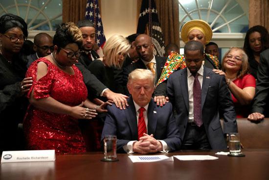 اجتماع-ترامب-بالقيادات-من-ذوى-الأصول-الإفريقية-لمناقشة-أزمة-كورونا