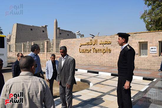 وزير السياحة والآثار يفتتح بوابات معبد الأقصر الجديدة (2)
