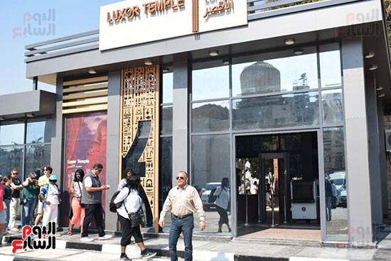 وزير السياحة والآثار يفتتح بوابات معبد الأقصر الجديدة (4)