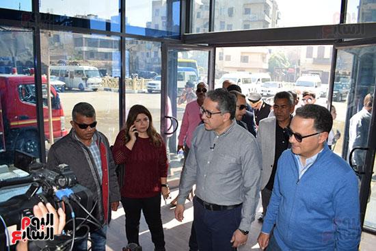 وزير السياحة والآثار يفتتح بوابات معبد الأقصر الجديدة (3)
