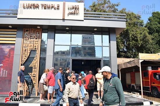 وزير السياحة والآثار يفتتح بوابات معبد الأقصر الجديدة (7)
