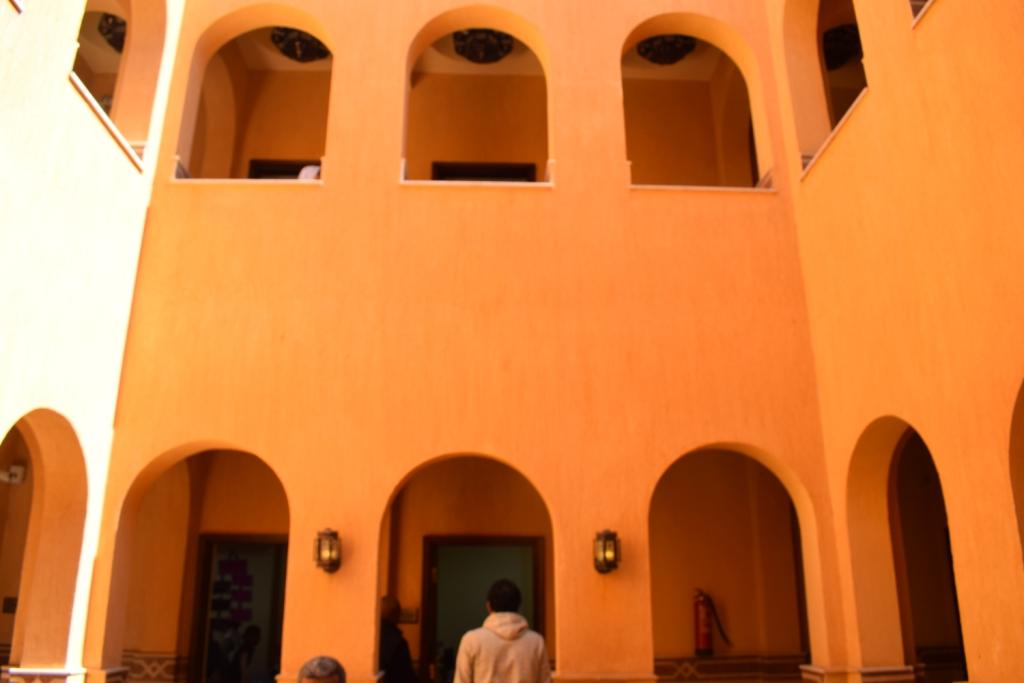 تصميم مميز لمقر قصر ثقافة حاجر العديسات بالاقصر (3)