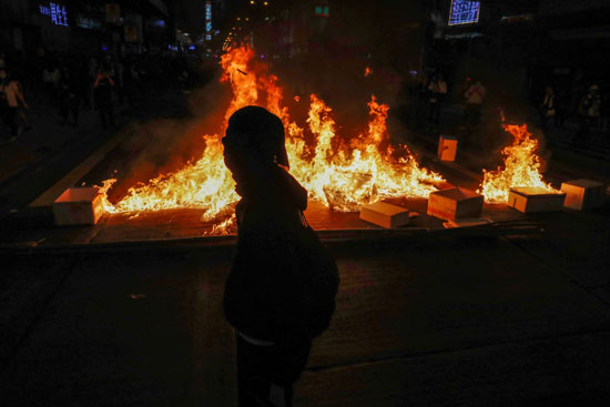 حرب شوارع فى هونج كونج