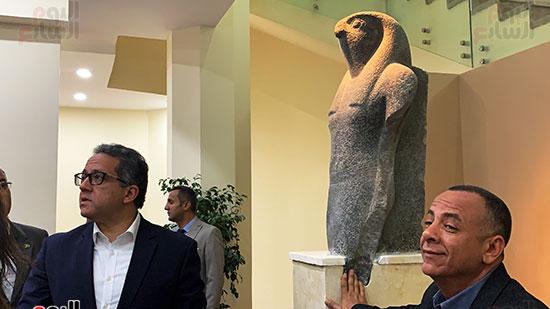 وزير السياحة والآثار يتفقد المتحف وقاعة العرض (9)
