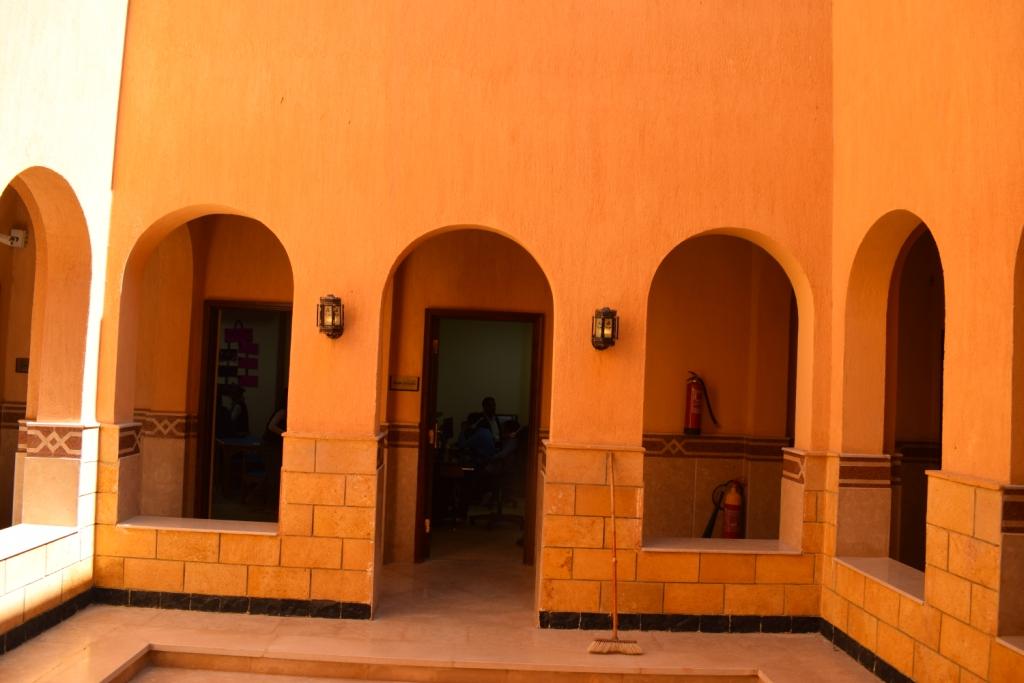 تصميم مميز لمقر قصر ثقافة حاجر العديسات بالاقصر (4)
