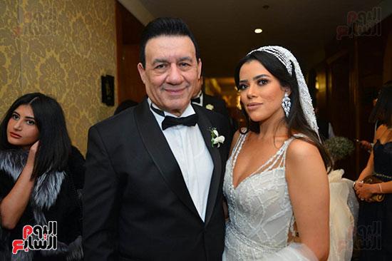الإعلامى مدحت شلبى والعروسة