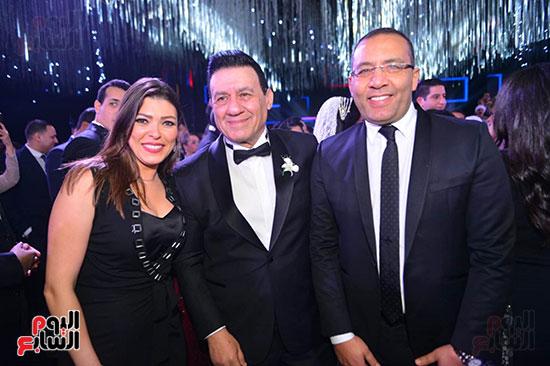 خالد صلاح رئيس تحرير اليوم السابع وزوجته الإعلامية شريهان أبو الحسن والإعلامى مدحت شلبى