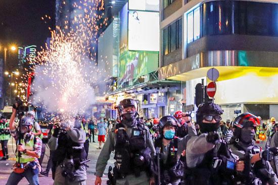 العنف فى شوارع هونج كونج