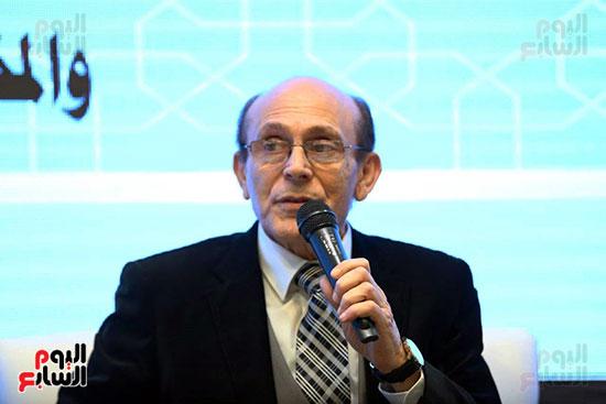 محمد صبحي يبدأ ندوته بمعرض الكتاب (5)