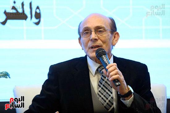 محمد صبحي يبدأ ندوته بمعرض الكتاب (6)