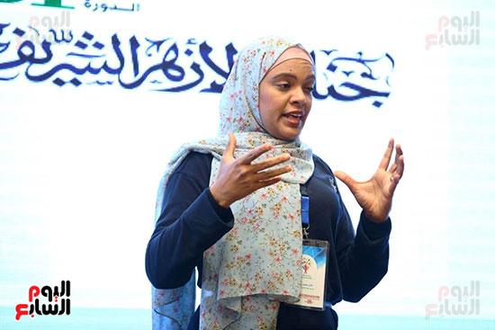 محمد صبحي يبدأ ندوته بمعرض الكتاب (7)