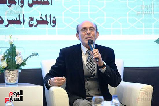 محمد صبحي يبدأ ندوته بمعرض الكتاب (4)