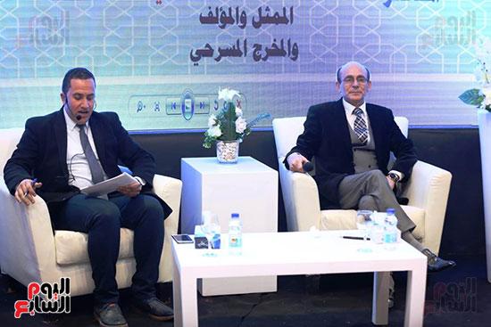 محمد صبحي يبدأ ندوته بمعرض الكتاب (1)