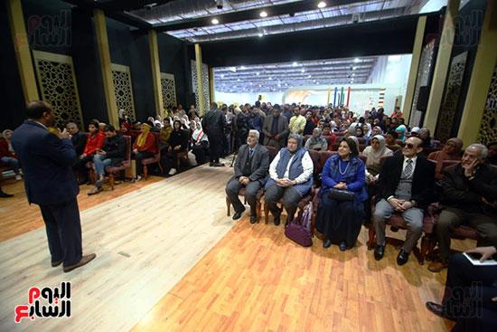 محمد صبحي يبدأ ندوته بمعرض الكتاب (24)