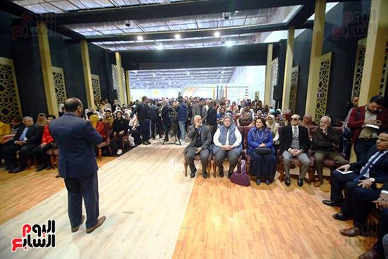 محمد صبحي يبدأ ندوته بمعرض الكتاب (23)
