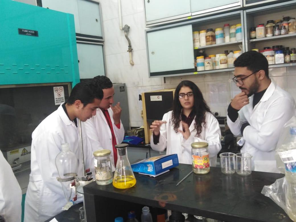 دورات تدريبية لتحليل الاعلاف والسموم الفطرية (2)