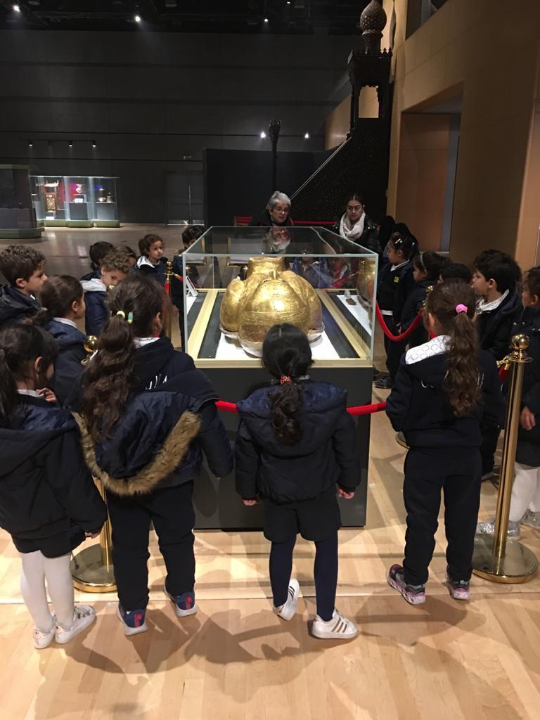 المتحف القومى للحضارة المصرية يستقبل طلاب مدرستين بالقاهرة (2)