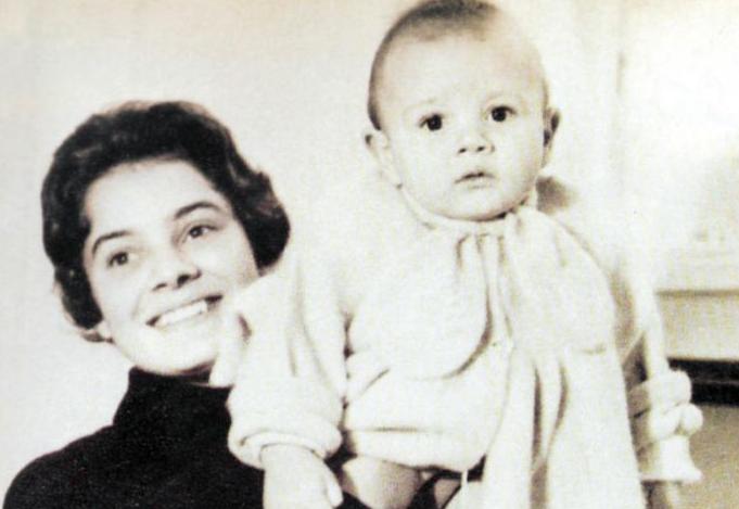 نادية لطفى مع أبنها أحمد