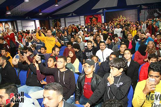 حرص جمهور معرض الكتاب على حضور ندوة تريزيجية