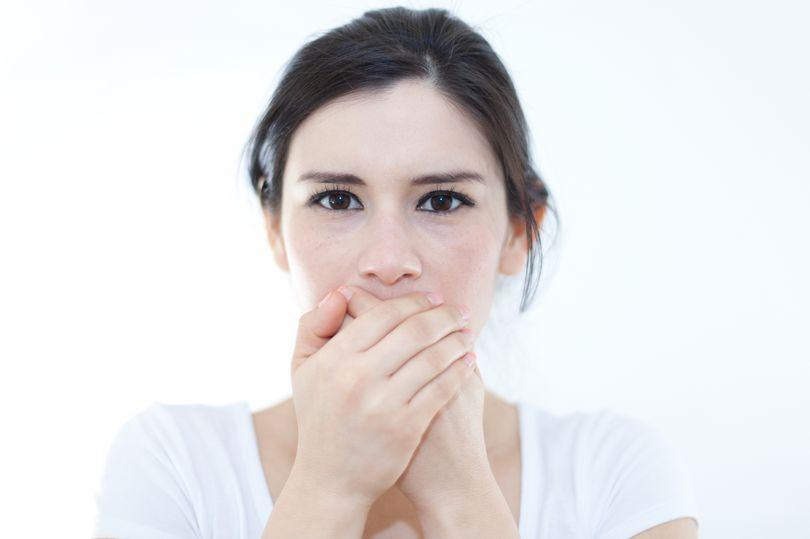 نمو الشعر داخل الفم