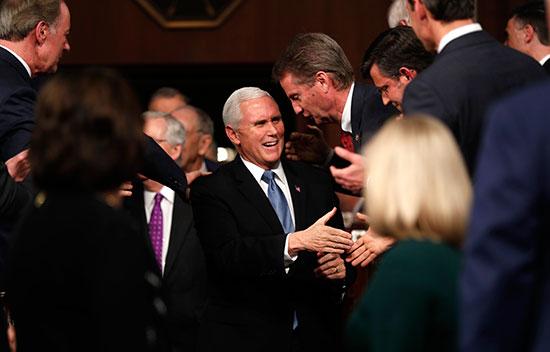 نائب رئيس الولايات المتحدة مايك بينس يصل لحضور خطاب حالة الاتحاد