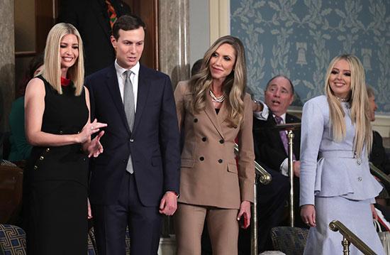 وصول كبار مستشارى البيت الأبيض إيفانكا وجاريد كوشنر بجانب لارا ترامب وتيفاني ترامب إلى مجلس النواب