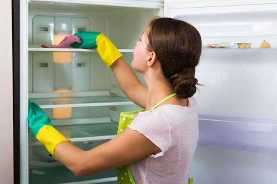 طرق تنظيف الثلاجة