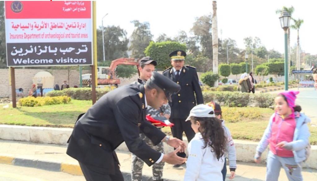 أبناء شهداء الشرطة في رحلة إلى الأهرامات (6)