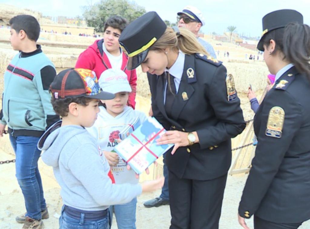 أبناء شهداء الشرطة في رحلة إلى الأهرامات (1)