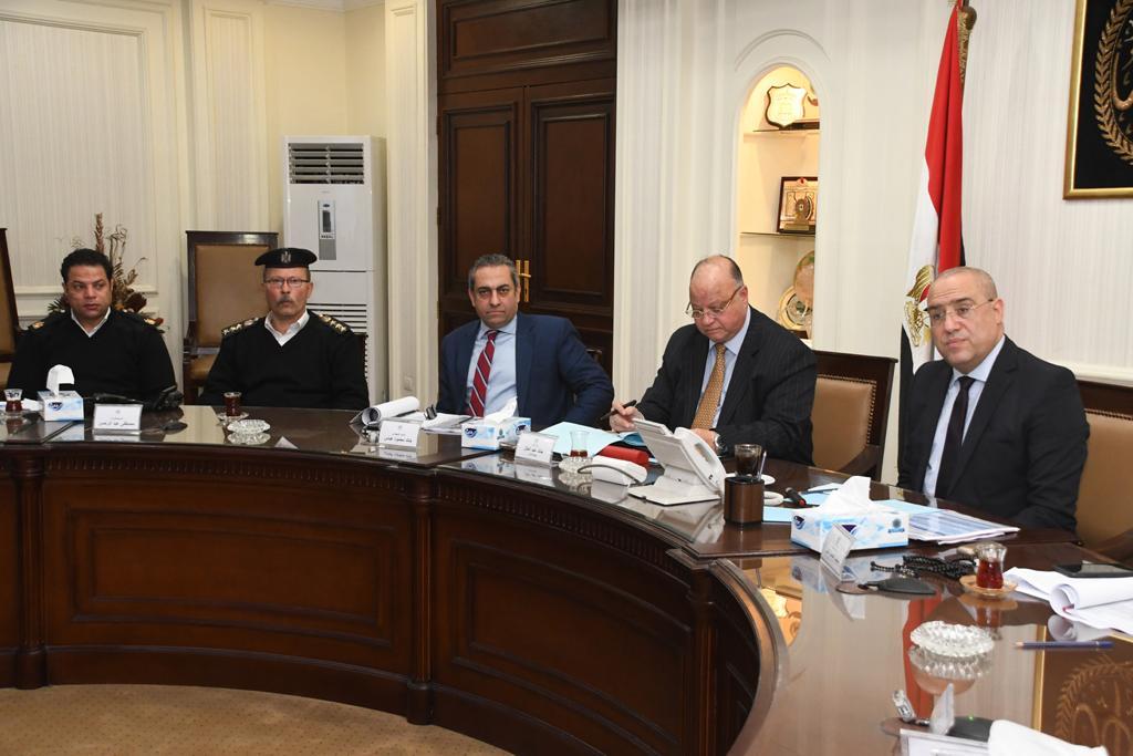 وزير الإسكان ومحافظ القاهرة خلال اجتماع تطوير مثلث ماسبيرو