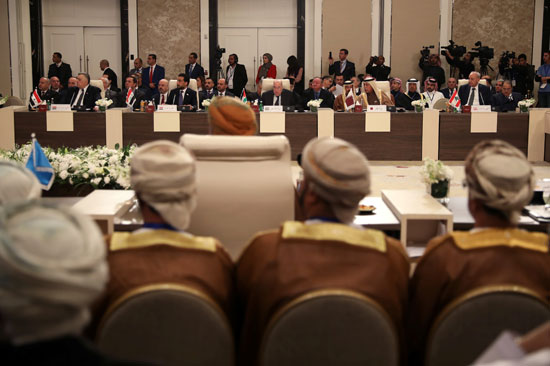يحضر قادة البرلمانات العربية جلسة طارئة لمناقشة خطة سلام الرئيس الأمريكي دونالد ترامب في الأردن