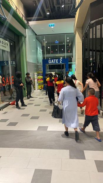 فرار الفلبينيين من المتجر