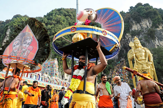 2020-02-08T042002Z_1469354530_RC24WE9EEREE_RTRMADP_3_RELIGION-THAIPUSAM-MALAYSIA