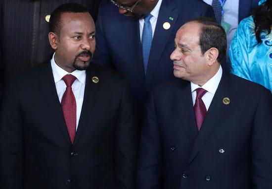 الرئيس عبد الفتاح السيسى يتحدث مع رئيس الوزراء الإثيوبى أبى أحمد