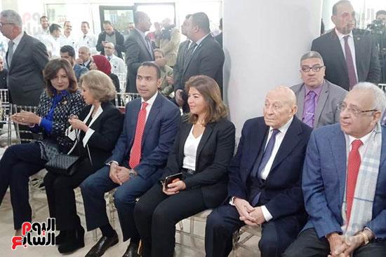 محلب-وعدد-من-الوزراء-والممثلين-باحتفالية-مستشفى-الناس-بالقليوبية-(25)