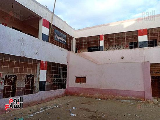 مدرسة الطفل مصطفى ضحية الإهمال بالشرقية (4)