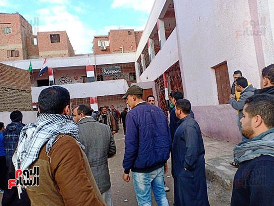 مدرسة الطفل مصطفى ضحية الإهمال بالشرقية (6)