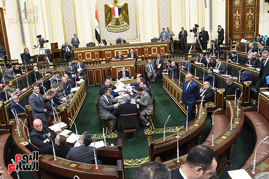 الجلسة العامة (18)