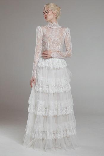 فستان زفاف بأكمام طويلة من الدانتيل