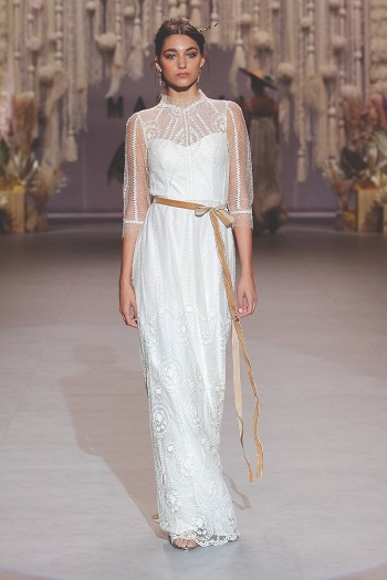 فستان زفاف بثلاث أرباع الكم