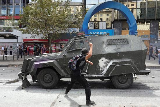 اشتباكات بين الشرطة ومتظاهرين