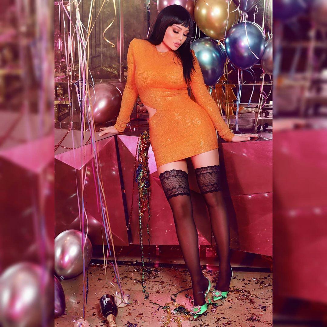 هيفاء وهبى تحتفل بعيد ميلادها