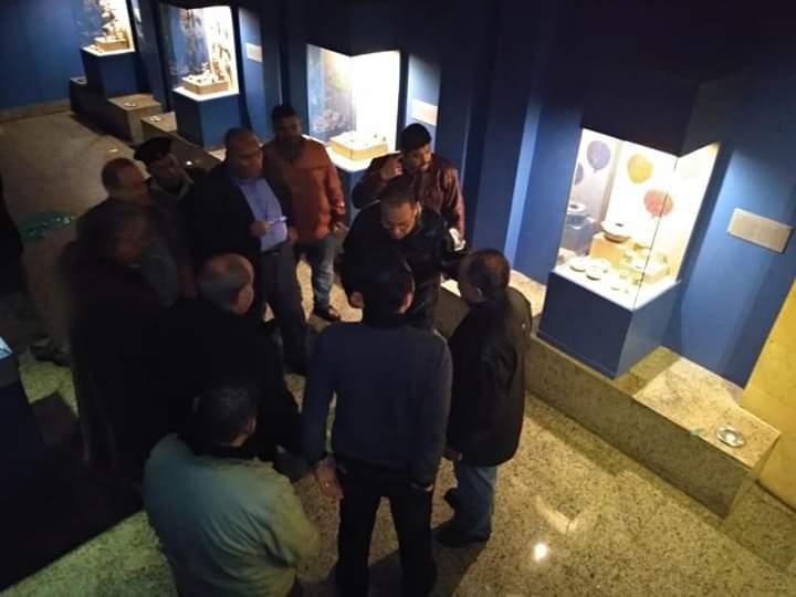 محافظ الشرقية خلال انتقاله لمتحف تل بسطه (3)