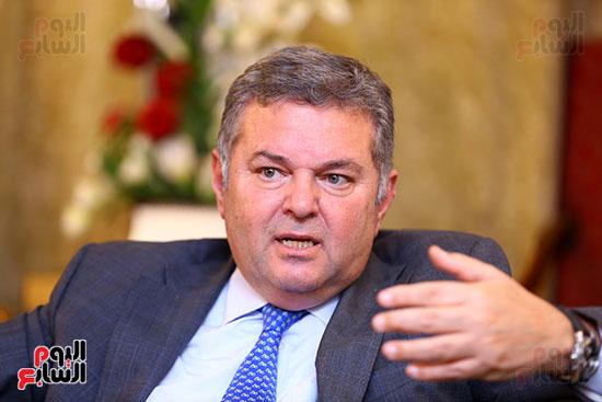 وزير قطاع الأعمال هشام توفيق مع اليوم السابع (14)